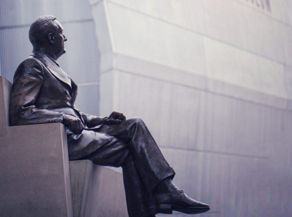 読書効果⑧偉人の考え方が身につく