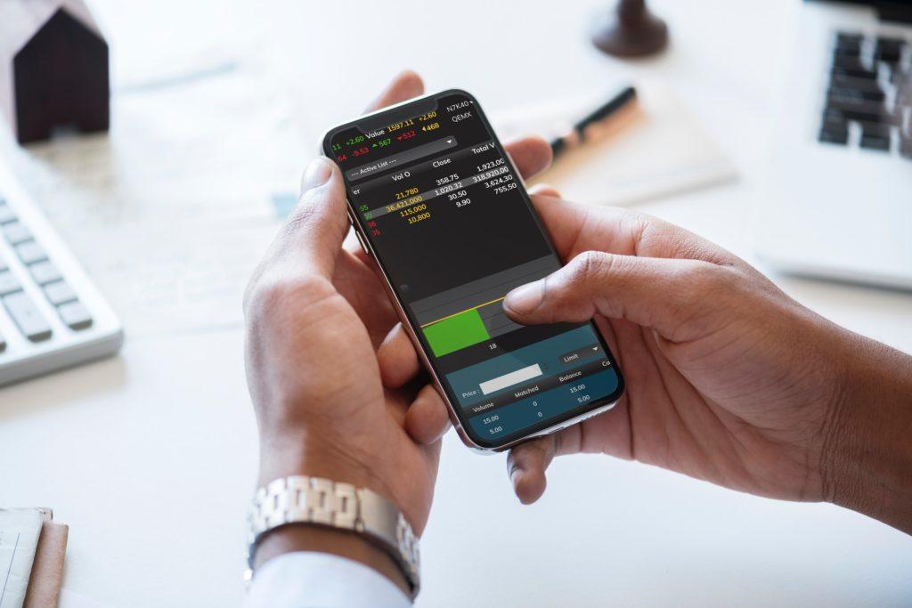 サラリーマン在宅副業おすすめランキング8位『株式・投資信託』