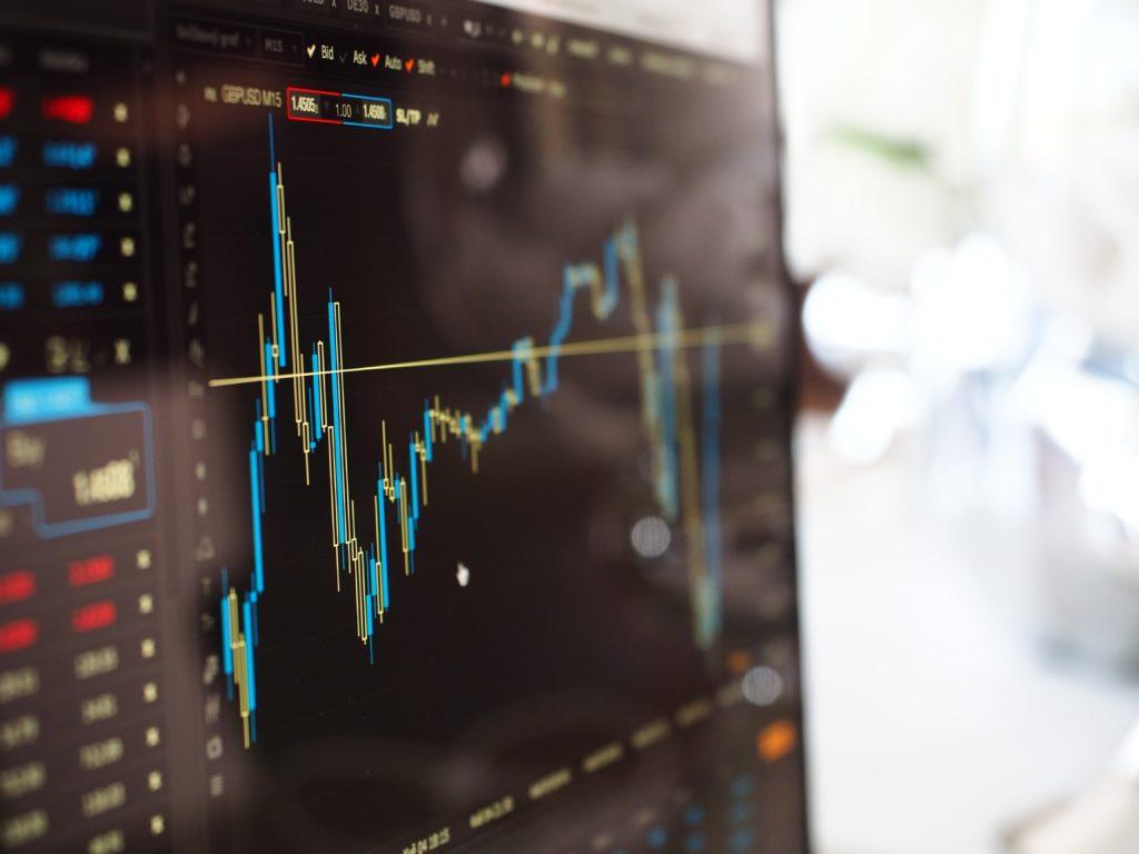 サラリーマン在宅副業おすすめランキング6位『FX投資』