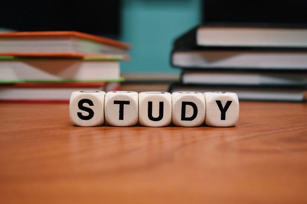 社会人の英語勉強でアプリ以外で取り組むべきこと