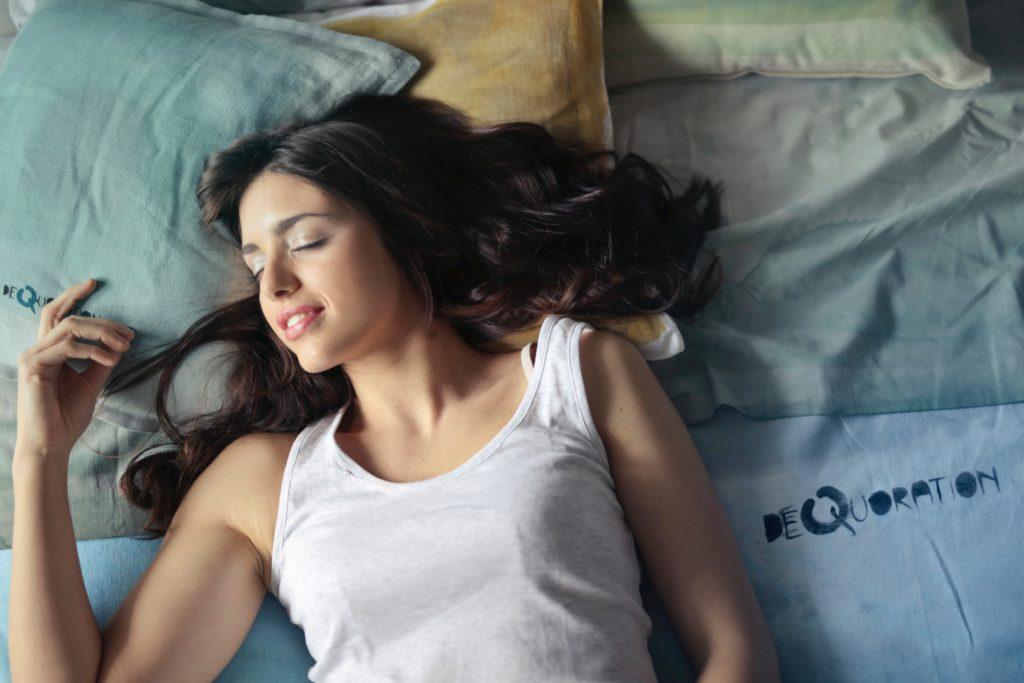 遅く寝て早く起きる方法(睡眠の質を高める):6時間目安