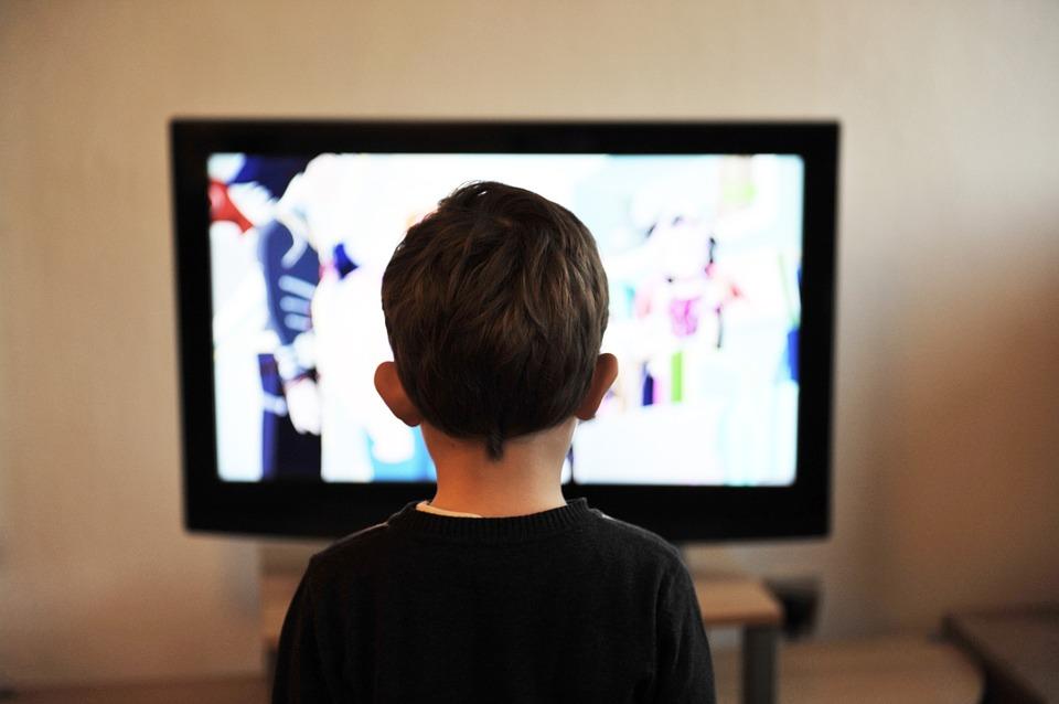 動画で学ぶ英語映画を使ったリスニング勉強方法の上達目安とレベル