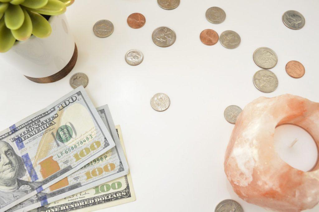 お金の不安対策①不労所得をつくり、労働しないでも得られる収入源を積み重ねる