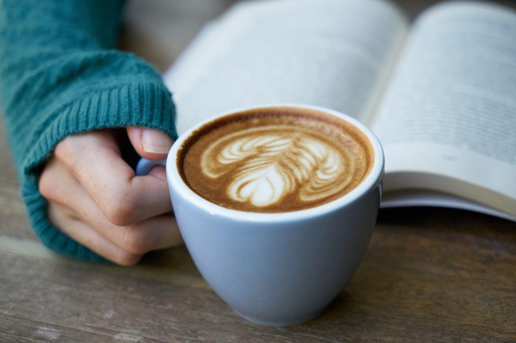 早起きができない人の解決策は、目的意識を持ち、早起き後の「行動」を決めることです